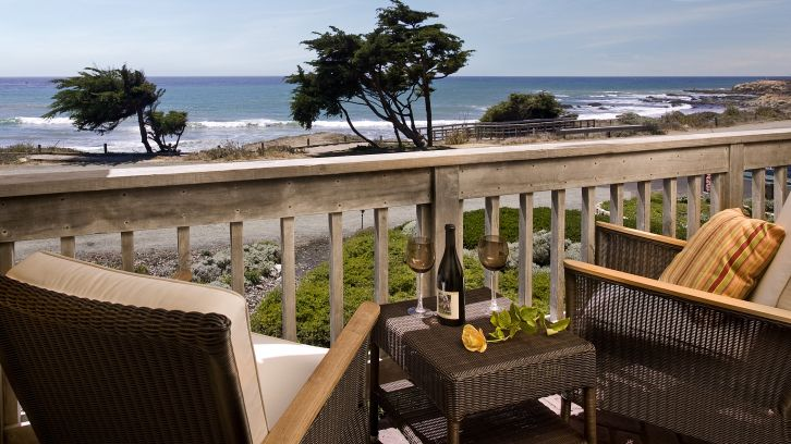 Patio with ocean view at FogCatcher Inn