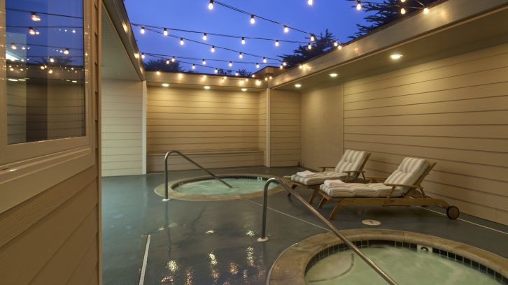 Hot tubs at Cambria Landing Inn & Suites